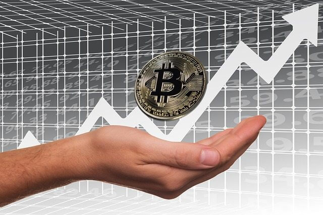 Bitcoin roza los $ 19.000. Aumento de 1.000 dólares en 24h.