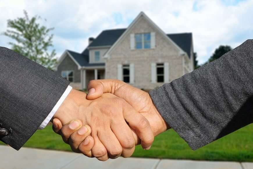 ¿Por qué no comprar una casa en Gran Bretaña y pagarla con Bitcoin?