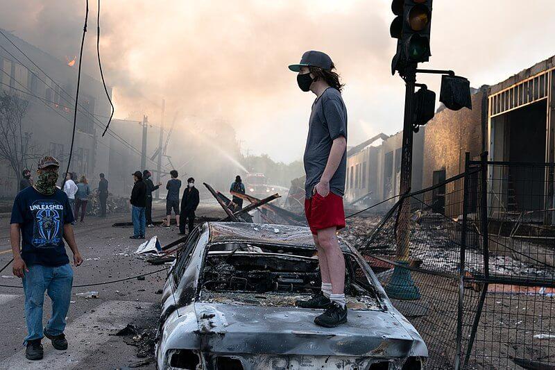 Imagen de los significativos destrozos de la ciudad de Minneapolis