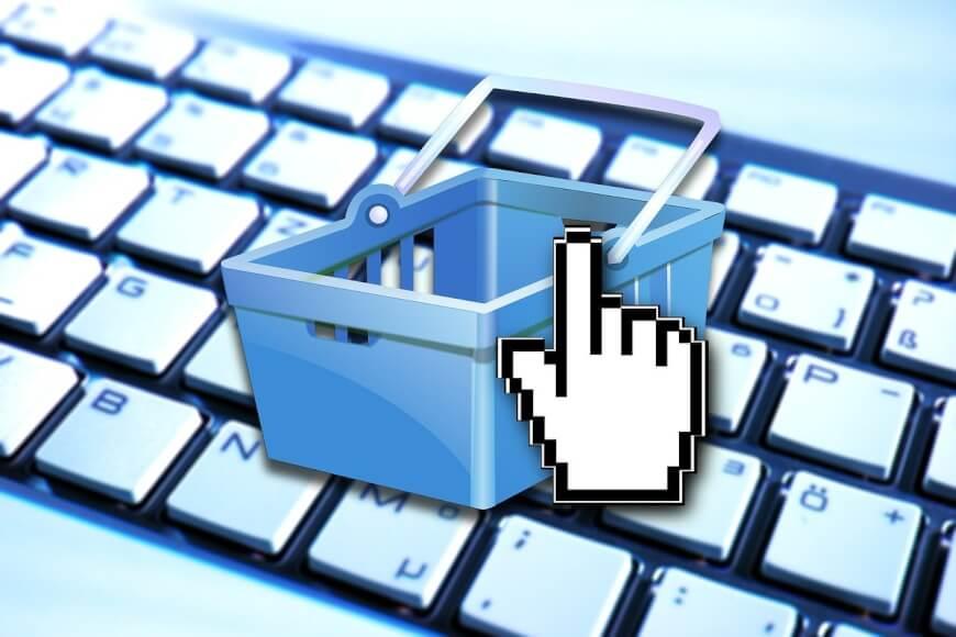 Imagen de un teclado con un carrito de la compra