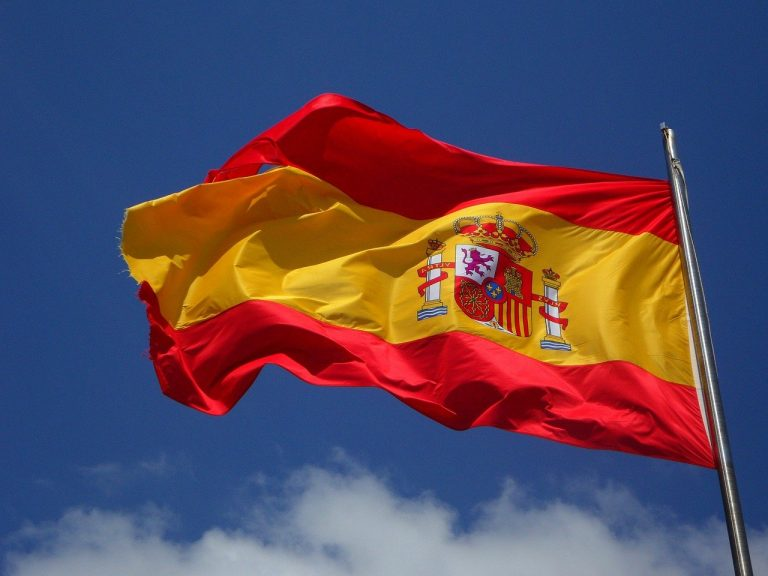 El CNMV de España advierte a diferentes empresas crypto acerca de su situación en el país